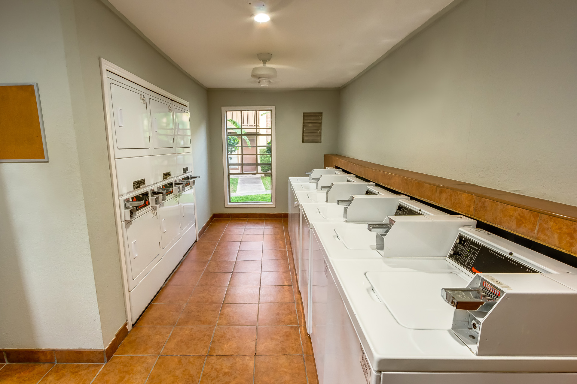 Villa Madrid Laundry Room